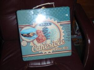 NEW SEALED Bella Cakesicle Maker Kit Tin Box Baking Cake Popsicle Candy