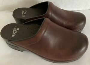 Dansko Brown Professional  Clogs Women's SZ 7 1/2 Leather Upper