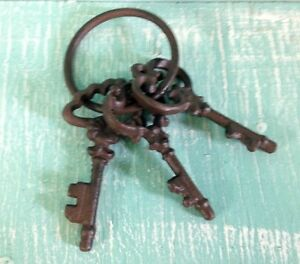 Chamber Skeleton Key Ring Cast Iron Wall Mount Rustic New Old Fashion Vintage
