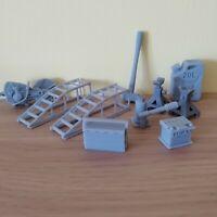 Garage tool set 1:18 scale