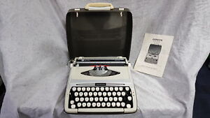 SCM Smith Corona Zephyr Deluxe Vintage Portable Manual Typewriter in Hard Case w
