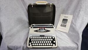 SCM Smith Corona Zephyr Deluxe Vintage Portable Manual Typewriter in Hard Case w