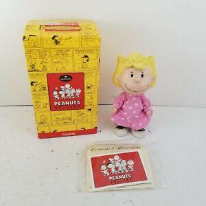 NEW Peanuts Charlie Brown Gallery Sally Figurine Hallmark QPC4020