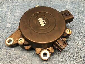 Toyota Prius 2006 Gearbox Control Unit 35580 47010 Denso 0438000010 3558047010
