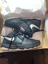 �Nike Team Hustle D 8 Black / Silver Basketball Shoes Youth Size 7�