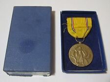 WWII Era Vintage American Defense Service Medal & Box U.S. Military    T*