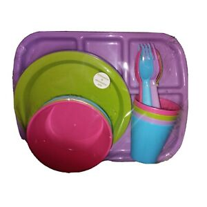 Mainstays Kids 24-pc BPA-Free Pastel Melamine Dinnerware Set + Brand New set