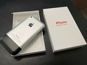 Apple iPhone 2G 1st First Generation 8GB Handset & White Slim/Thin Applecare Box