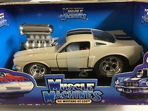66 MUSTANG GT350 SILVER W/ BLACK STRIPES 2000 MUSCLE MACHINE 1:24 SCALE IN BOX