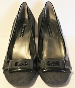 Bandolino Touchdown Womens Black Tweed Faux Buckle Heels Shoe Size 9.5