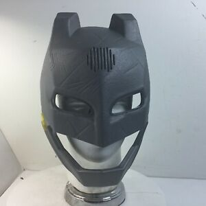 2015 Mattel Talking Batman Mask Versus Superman w/Voice Changer & Light Up Eyes