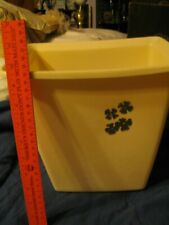 Vintage Small Rubbermaid Off White rectangle Trash can / waste basket L00k