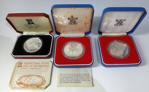 3 x solid silver crowns 1977 silver jubilee - 2 x UK, 1 x Isle of man all boxed