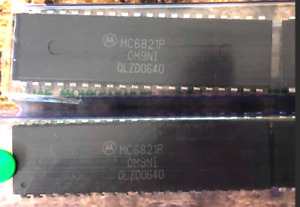 9) 6821 chips MC6821P PIA 40 pin DIP - NEW, OLD STOCK - nine in a rail