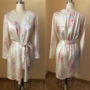 Victoria's Secret PINK Women's Robe Silky Ivory Floral Lace Size M NWOT
