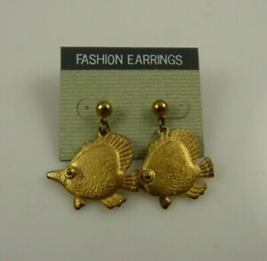 Vintage metal fish dangle pierced earrings fashion made in Korea
