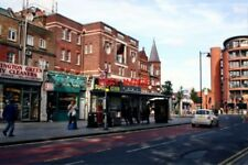 PHOTO  2010 NEWINGTON GREEN BUS STOP NK THIS IS ON THE WEST SIDE OF THE SQUARE T