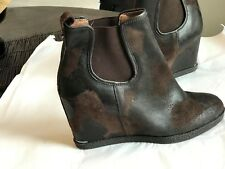 DONALD J PLINER EXPRESSO BROWN VINTAGE SUEDE LOOK WEDGE ANKLE PULL BOOTS SZ 11