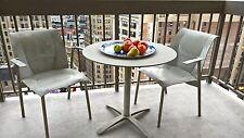 Frank Gehry Fog Table & Chairs - Knoll Studio