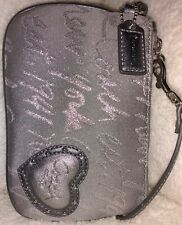 Authentic Coach 45614💥NWT💥Rare💥New York Script Wristlet Silver/Grey Studded💓