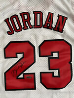 Michael Jordan Autograph/Signed Chicago Bulls Jersey - COA