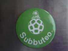 Subbuteo Vintage Década de 1980 insignia de estaño ** Buen Estado **