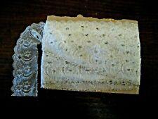 Rouleau de dentelle ancienne avec perles de verre - 7,5 m