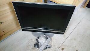 SONY Bravia 26 Inch LCD Colour TV Model KDL - V26A12U With Remote Etc In Black