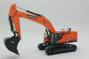 Doosan DX800LC Excavator - 1:50 Scale Model New Bauma 2019!
