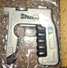 Space 1999 OFFICIAL DISC SHOOTING STUN GUN REMCO Still works (no discs) toy