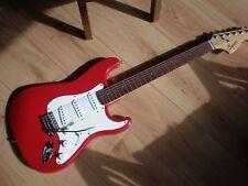 Guitarra eléctrica FENDER SQUIER STRATOCASTER (como)