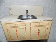 VINTAGE WOLVERINE TOY TIN METAL LITHO KITCHEN SINK CABINET