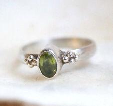 Silberring 52 Schmal Verspielt Handarbeit Peridot Grün Facettiert Ring Silber