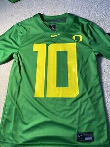 Nike Oregon Ducks Game Day Justin Herbert #10 Green Jersey Size S AR9447 101