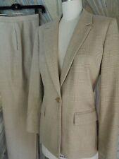 Tahari Glen Plaid Pant Suit (2 Piece) Camel-Tan/Beige Plaid Women's Sz.4 ~Euc~