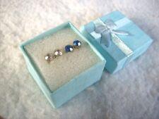 VINTAGE 1970-80 S inutilizzato 4 x ORNATA simulata Diamond e Argento Orecchini in scatola.