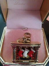 RARE JUICY COUTURE 2007 LTD ED FIREPLACE & STOCKINGS CHRISTMAS HOLIDAY CHARM EUC
