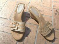 ~SESTO MEUCCI~ITALY~Gold Slides Leather Strap  Wadges Sandals size 38.5EUR/9US