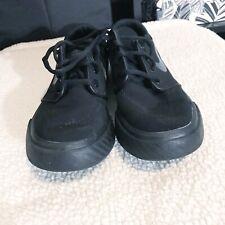 Youth Black Nikes-Sz 4