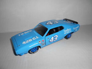 RICHARD PETTY #43 CUSTOM NASCAR 1972 PLYMOUTH GTX  SOUTHERN DEALERS DIECAST 1/24