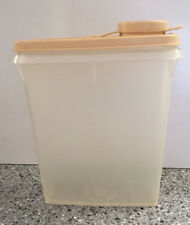 VINTAGE TUPPERWARE WHITE SMALL 3 CUP STORE N' POUR PITCHER/CONTAINER, #499