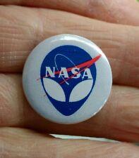 NASA/alien 25mm pin badge  Space exploration , ET  *free post*