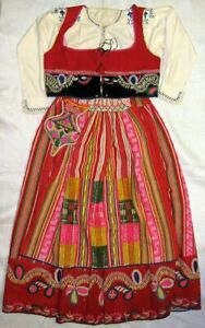 Woman's Traditional Folk Costume - Minho Lavradeira Portugal Hand Woven Ethnic