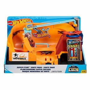 Brand New Boxed Hot Wheels City Skate Park Playset Gift Toy Fun