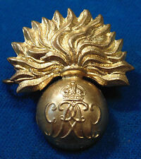 CANADA Canadian Armed Forces KC Grenadier Guards BRASS cap badge WW2