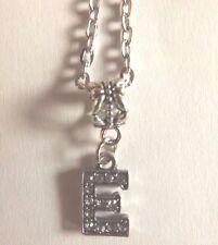 collier chaine argenté 46 cm avec pendentif lettre strass E