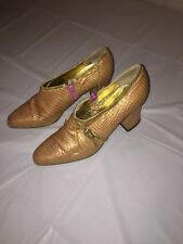 FANTASY COLLECTION LEATHER GATOR LOW HEELS TAN CHAIN SIZE 6B