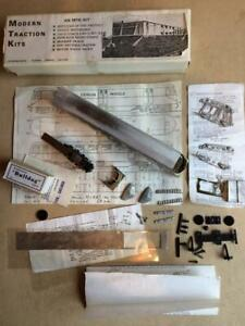 OO MTK Modern Traction Kits part built GWR railcar with motorised bogie kit