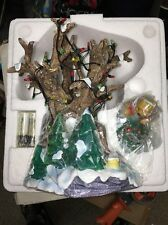 Disney Christmas Pooh's Tree House Light Up with Figure Retired Rare