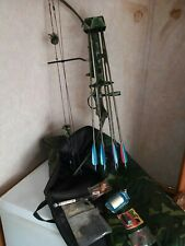 Bear Whitetail Ii Compound Bow New String 6 Arrows Broad Heads Field Point.